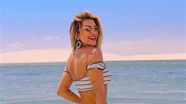 Lorena Improta ostenta corpão em fotos de biquíni e paisagem paradisíaca rouba a cena