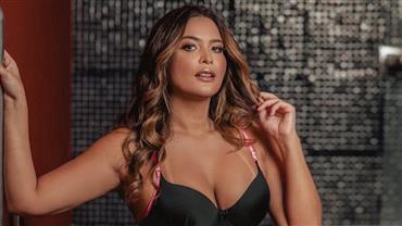 Geisy Arruda posa de bumbum pra cima em clique sensual de fio-dental