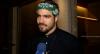 Caio Castro comenta possível cena de striptease com Malvino Salvador