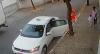 Bandidos usam táxi roubado para assaltar pedestres em São Paulo