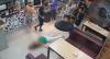 Mulher é agredida dentro de bar em Belo Horizonte