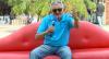 Sofá: O sósia do cantor Falcão