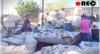 Com esperança, pessoas distribuem marmitas para moradores de rua em SP