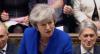 Theresa May vence votação no parlamento e segue como primeira-ministra