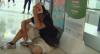 Grupo mascarado e armado com porretes ataca manifestantes em Hong Kong