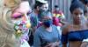 Ação solidária faz doação a moradores de rua LGBT