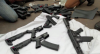 Polícia apreende arsenal de armas em rodovia no Paraná