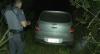 Polícia encontra carro roubado escondido no meio do mato