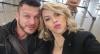 """Marido de Léo Áquilla reclama de filme com beijo em Biel: """"É pedir demais"""""""