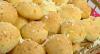 Pão de Queijo: chef ensina receita feita com 4 ingredientes