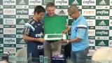Alex e Robinho ganham placa por gols sobre Ceni
