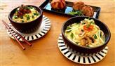 Edu Guedes e convidado preparam macarrão coreano com peixe e legumes
