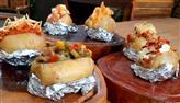 Edu Guedes ensina a preparar batatas recheadas com diversos sabores