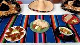 Edu Guedes e convidado preparam pratos típicos mexicanos
