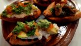 Edu Guedes prepara bruschettas, porpetinha com queijo e pão de linguiça
