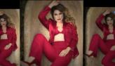 Flávia Alessandra posa toda de vermelho para ensaio de revista
