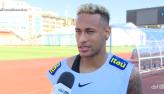 Seleção brasileira chega a São Petersburgo nos braços dos torcedores