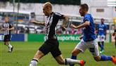 Atlético-MG vence Cruzeiro e assume liderança do Brasileirão