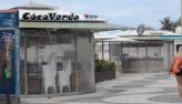 Restrições no Rio: fiscais atuam comerciantes