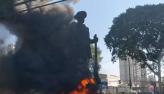 Caso Borba Gato: Justiça revoga prisão de suspeita de vandalismo