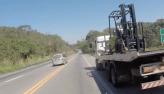 Polícia engata fuga com ladrão de caminhão em plena rodovia