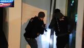 Policiais civis surpreendem ladrão de banco em casa de alto padrão