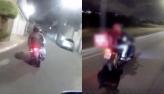 Rapaz diz que fugiu por susto   Dupla larga moto em perseguição