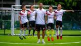 Brasileiro faz sucesso treinando crianças chinesas em Shenzhen