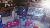 Policiais militares são presos por matar jovens em bar no Rio; vídeo