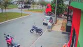 Idoso morre atropelado por carreta ao atravessar rua com bicicleta em MT
