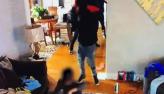 Menino de cinco anos tenta desarmar bandido durante invasão em casa; VÍDEO