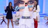 Homenagens e bolo feito por Edu Guedes emocionam Daniela Albuquerque