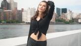 Júlia Pereira posa para ensaio e mostra passeio na Roosevelt Island