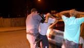 Suspeitos s�o presos ap�s tentarem fugir da pol�cia