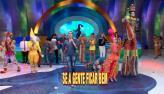 Gilmel�ndia diverte o palco do  Le�o com produ��o de circo (8)