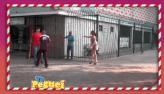 Rapaz 'quebra o pau' com casal e sobra para quem passa na rua