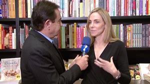 Jornalista Patrícia Kogut lança livro sobre a televisão brasileira