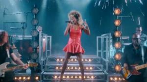 Peça sobre vida e carreira de Tina Turner estreia na Broadway