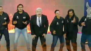 """Sikêra Jr estreia nova música no Alerta Nacional: """"Aponta o maconheiro"""""""