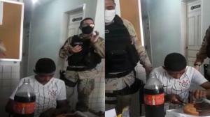 Jovem preso no dia do aniversário ganha 'festa' de policiais na delegacia