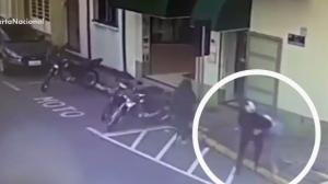 Durante perseguição policial, motoboy impede fuga de assaltante
