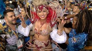 """Lívia Andrade sobre Carnaval: """"Hoje é o dia do morde e assopra"""""""