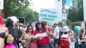 Blocos de rua animam o pr�-Carnaval pelo pa�s