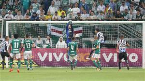 """Palmeiras está fora do título brasileiro"", decreta Juarez Soares"
