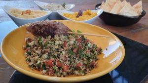 Edu Guedes ensina a preparar receitas árabes