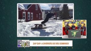 Homem falha em salto e cai de cara na neve