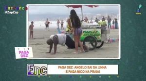Paga Dez: Angelo sai da linha e Carlão faz ele pagar mico na praia
