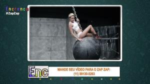 Tiozão tenta imitar clipe sensual de Miley Cirus e arranja dor de cabeça