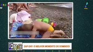 Casal fofo de bebês provoca risadas com muito amor