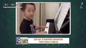 Menino asiático impressiona com habilidades no piano